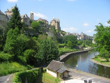 Long term rental to let in Uzerche, France : Pretty townhouse for 4/6 persons in the centre of the historic town of Uzerche