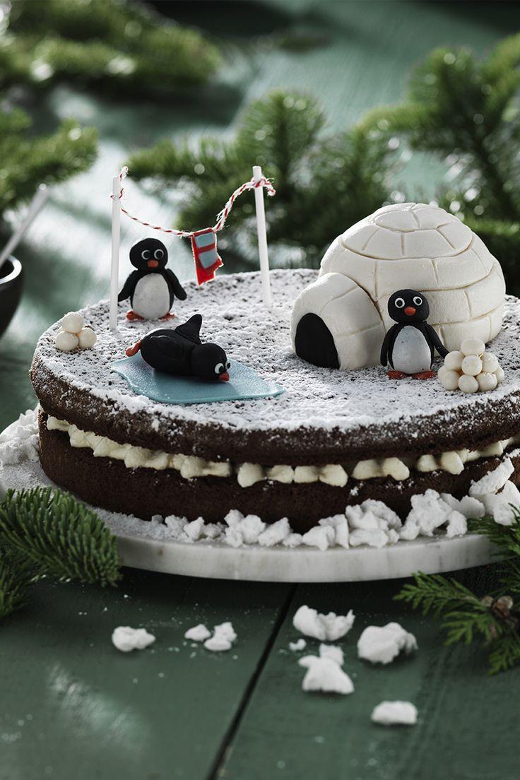 Christmas Cake www.pandurohobby.com Christmas Sweets by Panduro #christmas #decoration #DIY #sweets #scandinavian #nordic #penguin #sugarpaste #marzipan #igloo #cake