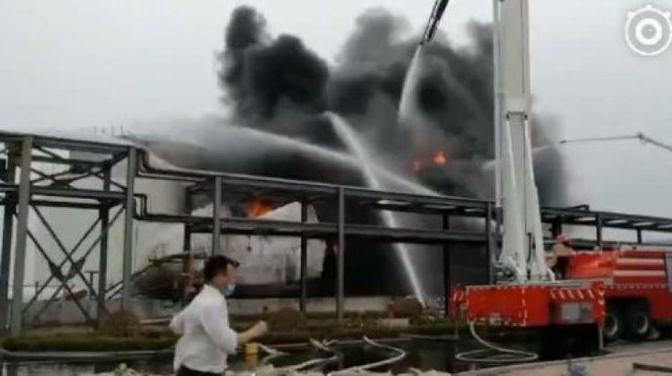 """Çin'de büyük patlama! Ölü ve yaralılar var  """"Çin'de büyük patlama! Ölü ve yaralılar var"""" http://fmedya.com/cinde-buyuk-patlama-olu-ve-yaralilar-var-h36968.html"""