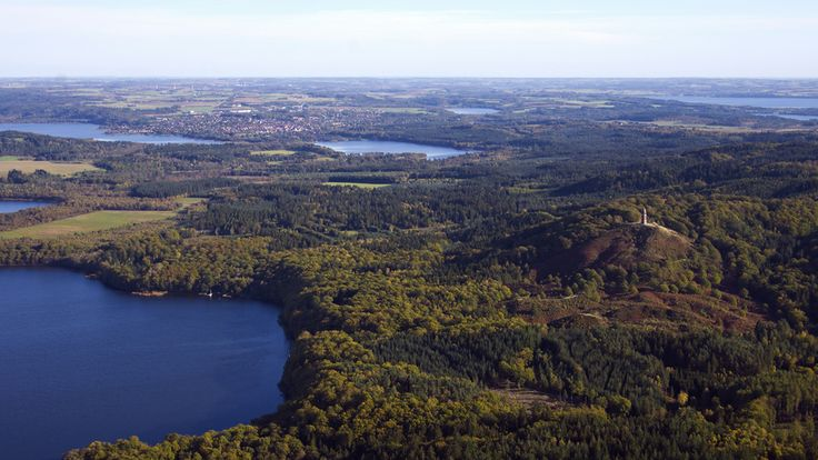 Søhøjlandet (The Lake-highland) is the highest lying region in Denmark and at the same time, it has the highest density of lakes.The landscape of Søhøjlandet is characterized by extensive forests, lakes enclosed by woodlands, heathlands and many smaller meadows and pasture commons, covering the hilly terrains. Several of the larger lakes are interconnected by Gudenåen, the longest river in Denmark.