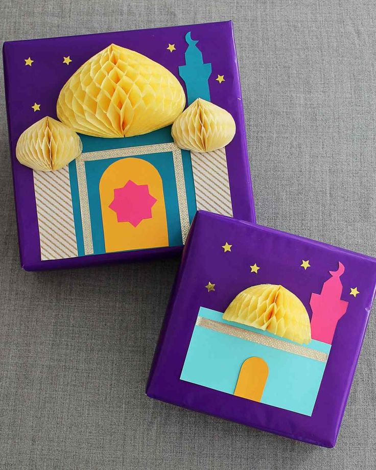 Eid al-Fitr is about the spirit of giving. Save this gift-wapping idea for family and friends, or even a Secret Eidi exchange. The mosque motif on these presents can be regarded as a nod to Eid prayers that happen in the morning.