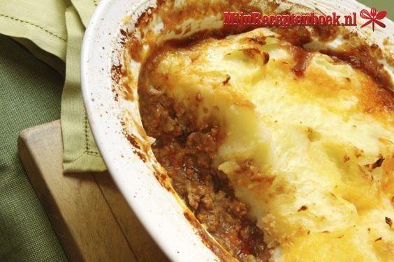 Gehaktschotel met bleekselderij, ui, paprika en knoflook recept