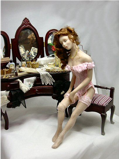 Miniature Doll- adore the detail on the dressing table. Love these miniature dolls! A must have!