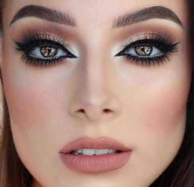 maquillaje profesional para novias con ojos delineados