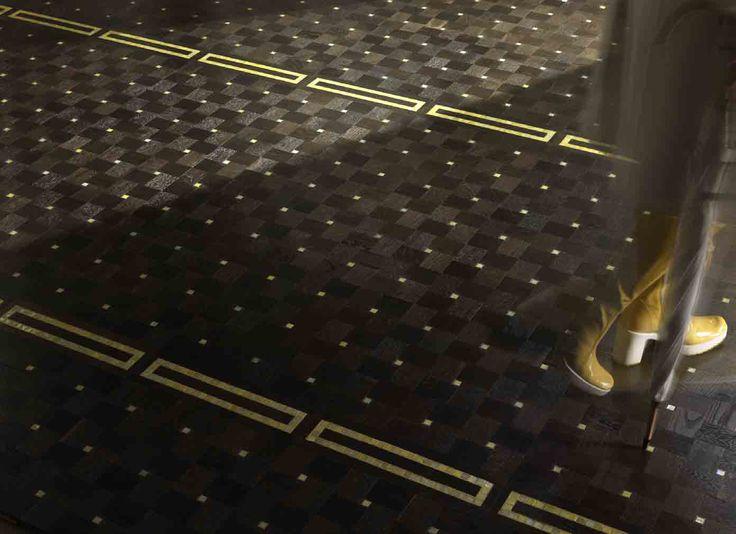 Moderní parkety značky Parquet In, z kolekce New mosaics, více na: http://www.saloncardinal.com/doors/new-mosaics