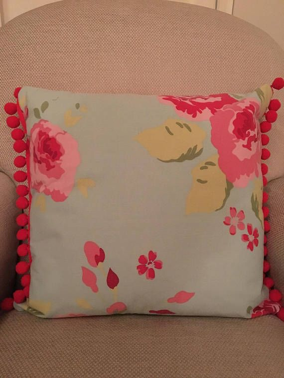 Floral cushion cover, polka dot cushion cover, cushion cover, home decor, housewarming gift, Pom Pom cover, decorative pillow, zipped cover