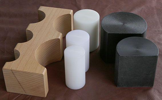 Formblock med 5 nylonblock och en vändbar träform. Silvret skadas inte lika lätt som med stål. - EUDAP145