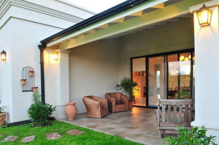 Encontrá las mejores ideas e inspiración para el hogar. Casa de Campo en Pilar por Parrado Arquitectura | homify