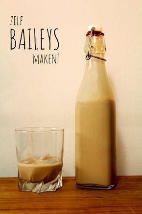 Benodigdheden voor ± 0.7L Baileys :  * 250 ml slagroom * 1 blikje gecondenseerde melk * 1/2 theelepel vanille extract * 1 eetlepel oplosespresso * 1 eetlepel cacaopoeder * 1 eetlepel water * 200-250 ml Ierse whiskey
