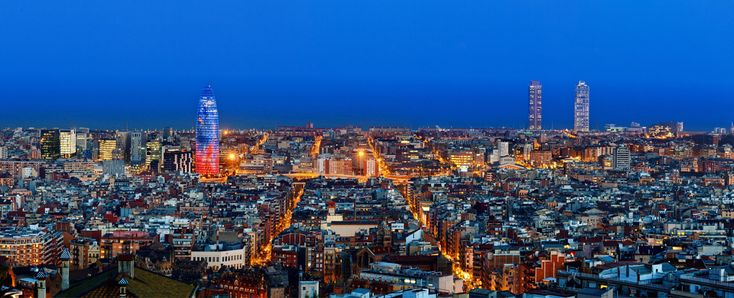 Barcelona skyline from Bunker del Carmel (Barrio del Carmel)