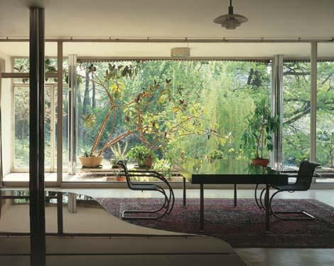 Villa Tugendhat all in bloom