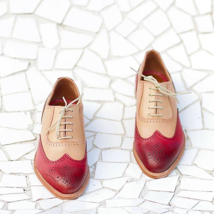 SORTEOAtención todos mis seguidores Te gustan mis nuevos #zapatos de Lottusse ? Son  Pues participa en este #Concurso y consigue unos zapatos #Lottusse #MadeToOrder completamente personalizados por ti (hombre o mujer) y una baldosa de @huguetmallorca (valorados en 450 euros)  Participar es muy fácil  1) Publica en tu perfil público de Instagram una foto de tus zapatos (sirven cualquiera) sobre un suelo bonito y usa el hashtag #LottusseSelfeet  2) Sigue a @Lottusse1877  Recuerda que puedes…
