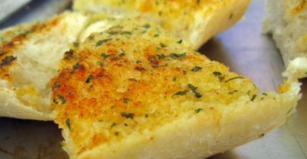 Zo bak je het lekkerste knoflookbrood | NSMBL.nl