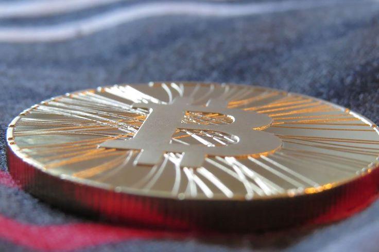 #Kunden der #FIDOR Bank AG und ihres Partners #Bitcoin.de können innerhalb von #Sekunden #Bitcoins #handeln und die dazu gehörenden #Euro-#Transaktionen durchführen.