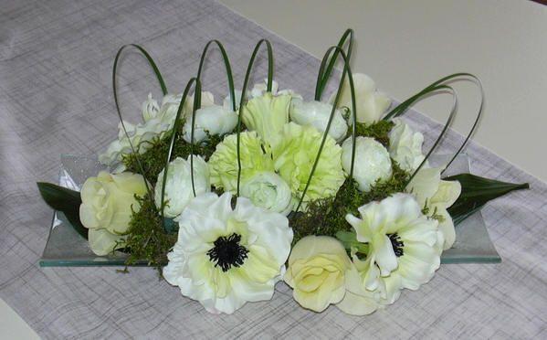Bloemschikken lente - voorjaar bloemstukjes - bloemstukken maken met gratis online bloemschikcursus
