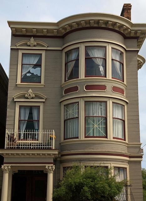 Victorian houses in San Francisco, via Flickr.