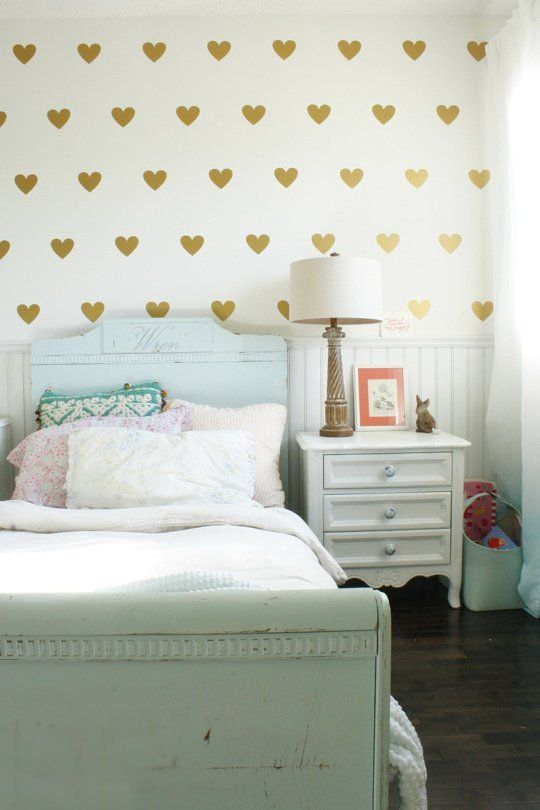 5 Tips for Going Gold in Kids Rooms