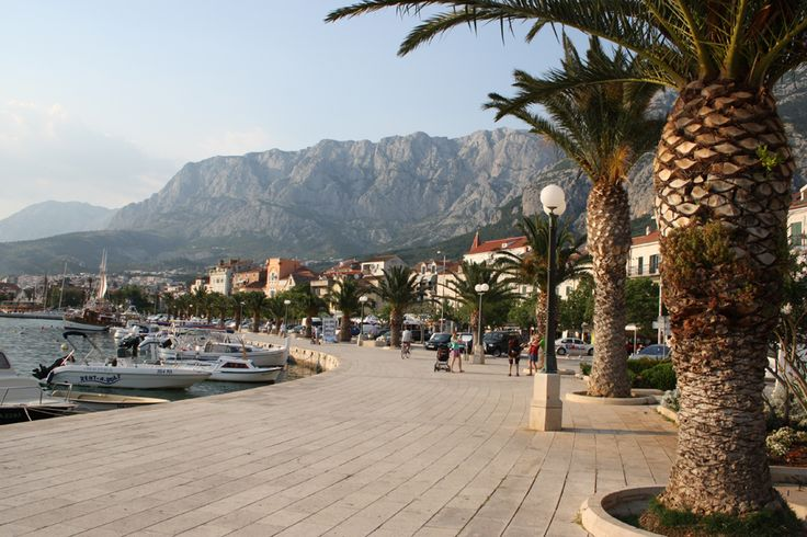 Makarska is a resort at the Adriatic seacoast.