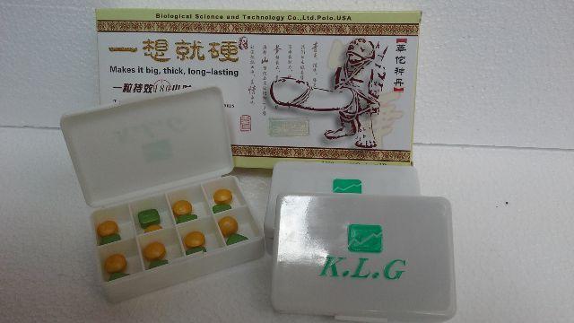 ATURAN PAKAI OBAT PEMBESAR PENIS KLG ASLI HERBAL : Diminum 1 pasang warna hijau dan warna orange pada waktu mau tidur malam pakai air hangat sehabis makan. Obat ini terbuat dari ramuan hebal 100% jadi aman dan tanpa efek samping Jika KLG Herbal Asli Original Hendak Digunakan Sebagai Obat Kuat, Maka Minumlah 1 Pasang Pills KLG .Herbal Asli Original 1 Jam berhubungan intimdi Mulai. catatan : Cukup diminum 1 tablet hijau dan 1 tablet orange dalam 1 hari