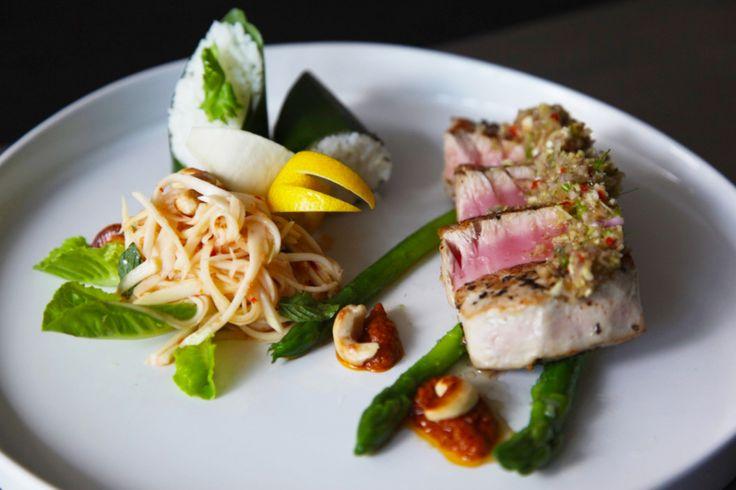 Elite Havens MAGAZINE. Pan-seared Tuna with shallot, garlic, lemongrass sambal and fresh mango salad.