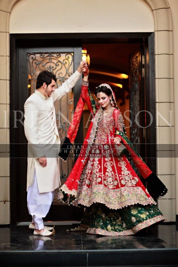 AMAZING! Red wedding sharara by the talented Pakistani photographer, Irfan Ahson