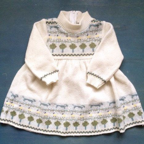 Get your little one ready for Fall. Shop one of a kind vintage dresses at ElleBelleVin🍁