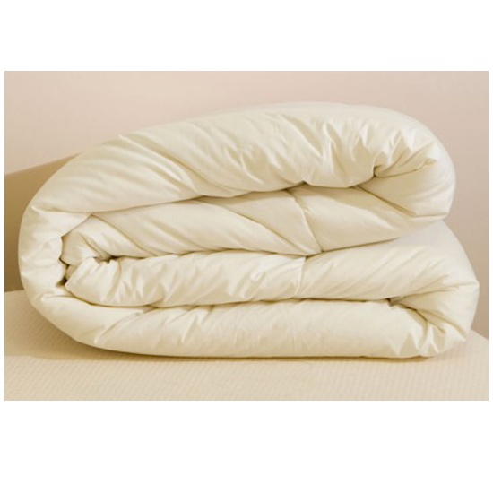 Light Weight Wool Duvet This natural wool duvet will provide you with a relaxing night.  Wool has a natural ability to help your body regulate your temperature and will allow you to sleep more soundly thru the night.  • 100% breathable cotton cover