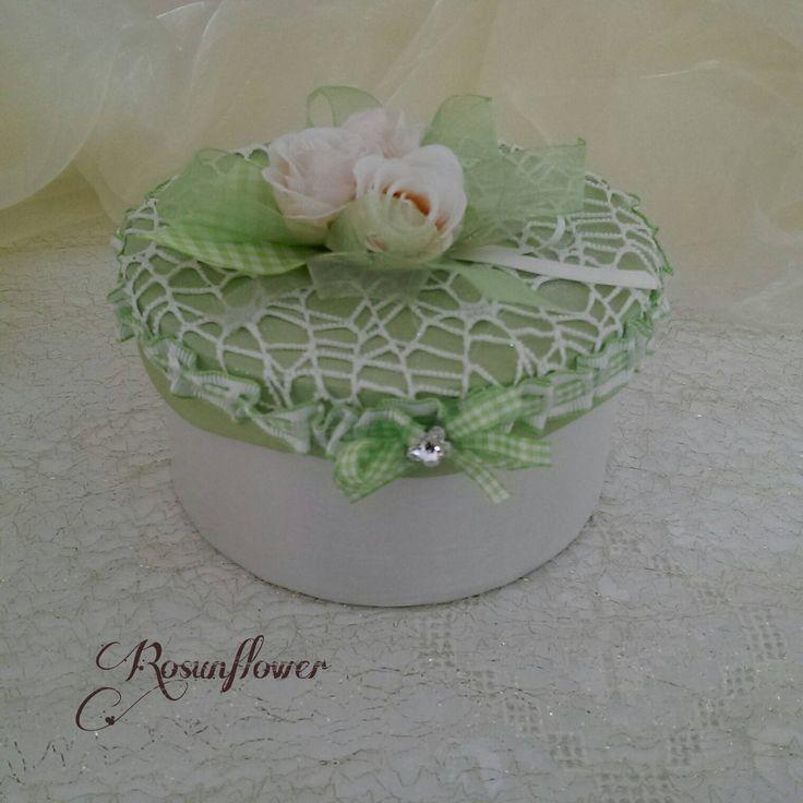 Scatola portagioielli  verde , decorazioni per la casa, regalo per la festa della mamma, fiore swarovski di Rosunflower su Etsy