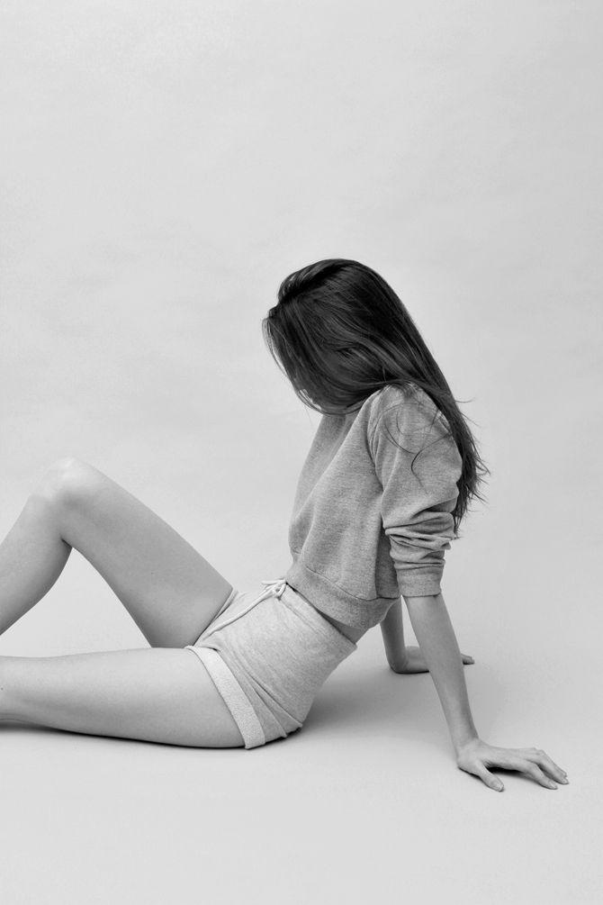 shorts : sweater
