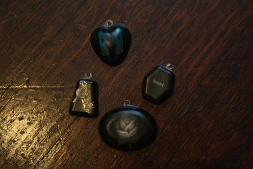 Tutorial: How to Make Resin Jewelry
