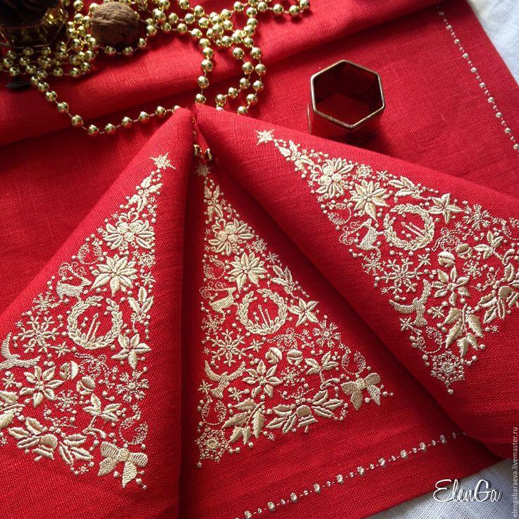 Купить Салфетка с вышивкой новогодняя - Рождественская ель - красная с золото - ярко-красный, золото, рождество