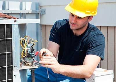 Dia 17 de Outubro – Dia do Eletricista:  Parabenizamos todos estes profissionais que são responsáveis pela instalação e manutenção de toda rede elétrica, sendo essenciais para que haja iluminação em nossas casas, nas ruas e nas empresas.  Desejamos a todos estes profissionais muito sucesso.  Equipe Mister Vaga