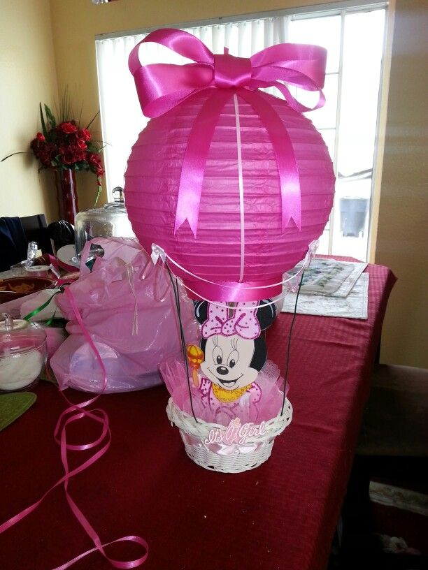 Pink hot air balloons centerpieces with light up lantern