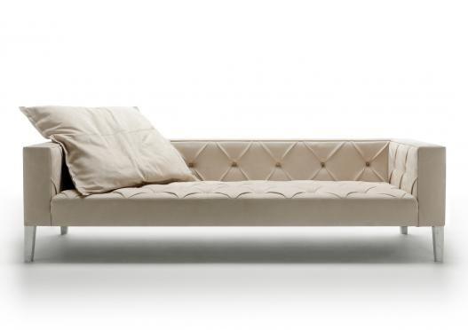 DivanoXManagua ist ein Sofa, das in der Geschichte des Designs keine Vorgänger kennt!