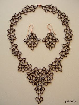 Jubeads box: Earrings see Cocos lace necklace pt 1, 2 & 3. earrings are part 2 with some interpretation