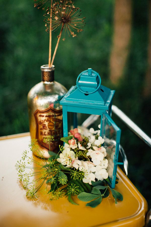 glamping wedding inspiration, photo by Made to Be Mine http://ruffledblog.com/chicago-glamping-wedding-ideas #weddingideas #woodsy