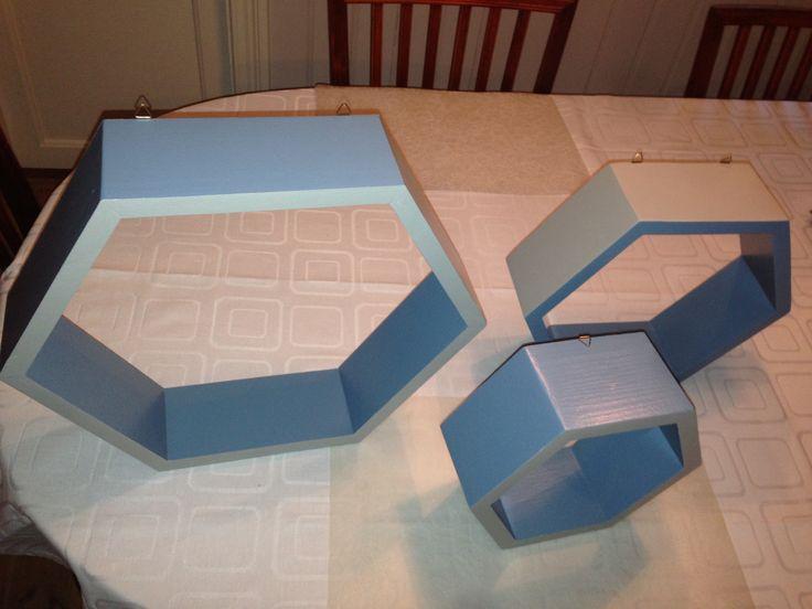 Sekskantede hyller i 3 forskjellige størrelser