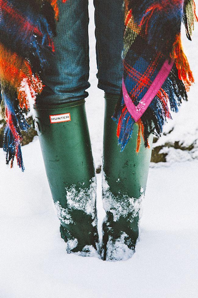 Snow ready. Hunter #wellingtonboots. plaid.