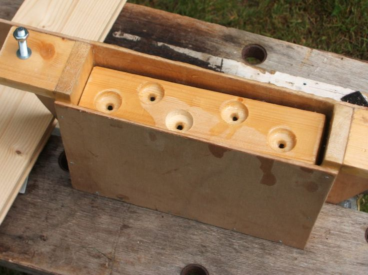 Top bar hive feeder.......... | Bee boxes, Honey bee box ...