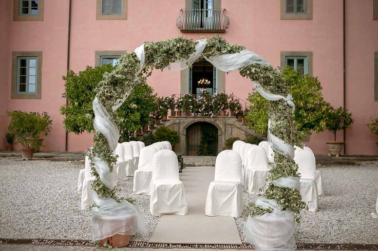 Ceremony setting for outdoor ceremony in Tuscany