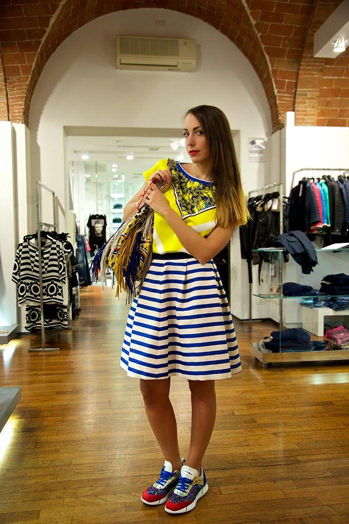 Striped midi skirt - Sneakers - Silk top - www.marsilistore.it