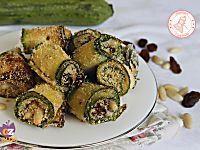 Le zucchine saltate in padella facili sono un contorno leggero e gustosissimo che si prepara in pochi minuti e se volete potete anche utilizzarle per la pasta