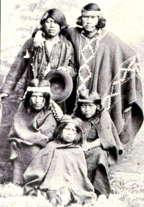 Familia mapuche a finales del Siglo XIX.