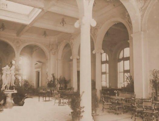diaforetiko.gr : Θα το πιστεύατε πως αυτό το πολυτελές ξενοδοχείο βρισκόταν στον Πειραιά;