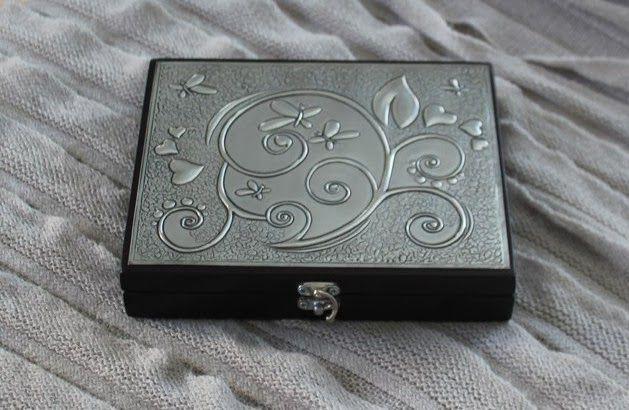 Earing box