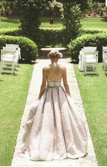 love this plaid wedding dress