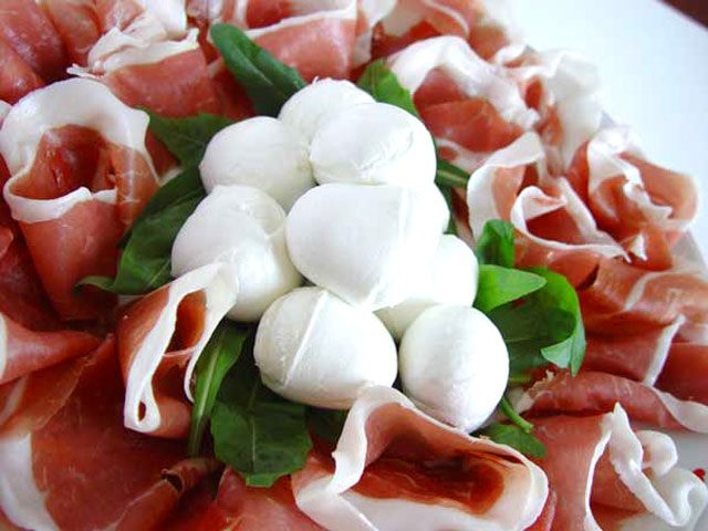fine #prosciutto and #mozzarella to pair your evening #grapa!