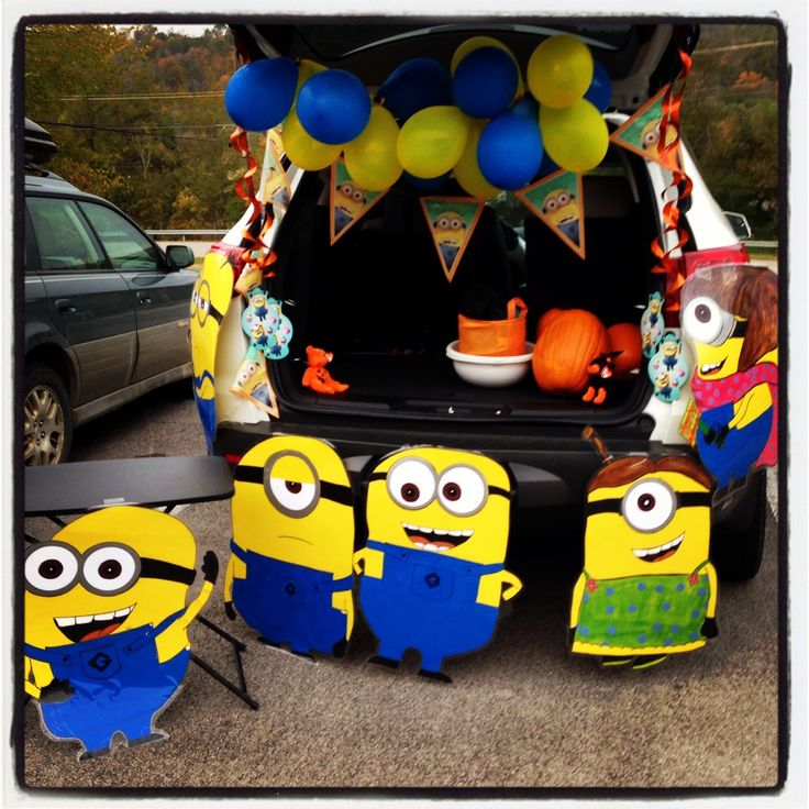 i recycled our minion party decorations for trunk or treat