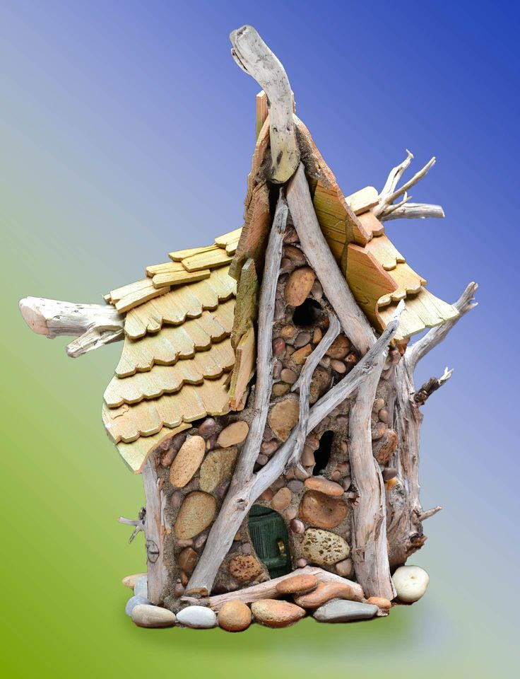 This fairy house is still in my studio - it so needs to get out there and find its own fairies! mossybraefairies.com