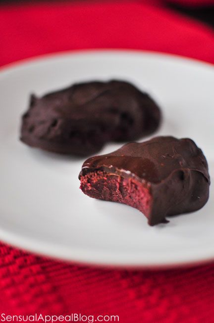 Easy Homemade Red Velvet Protein Bars